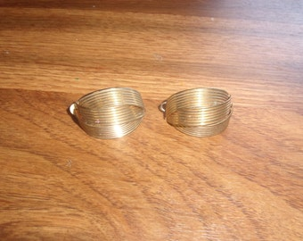 vintage clip on earrings ribbed goldtone