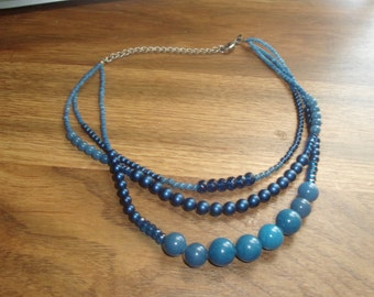 vintage necklace triple strand blue glass strand