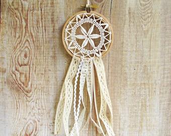 Boho Doily Dreamcatcher Ornament. Bohemian Gypsy Mobile Vintage Lace Ribbons. Christmas Gift Topper Domum Vindemia. White Beige Cream Kids