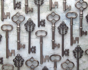 Skeleton Key Wedding Favors - The Morrow Collection - Key Assortment in Gunmetal Black - Set of 30 Keys - 3 STYLES