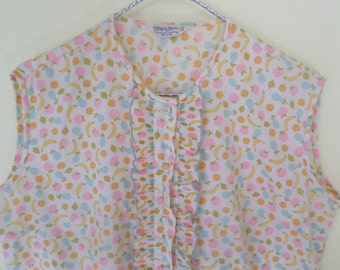 Vintage Ruffled Sleeveless Blouse // Fruit Print