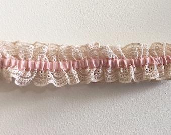 Vintage Lace Garter in Dusty Pink