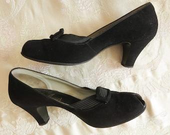 "1950s vintage women shoes dress peeptoe pumps black suede size 7.5 insole 9 7/8""  darling heels with buckle"