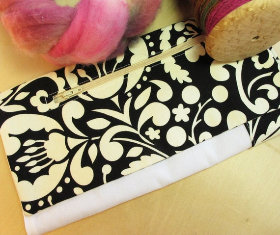 Lap Thing - Spinners Tool - Black and Ivory Leaves