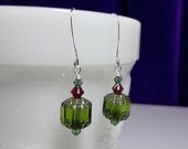 25% Off SALE thru Sun Green and Red Crystal Drop Earrings, Christmas Mom Sister Grandmother Girlfriend Bridesmaid Jewelry Gift, Simple, Pret