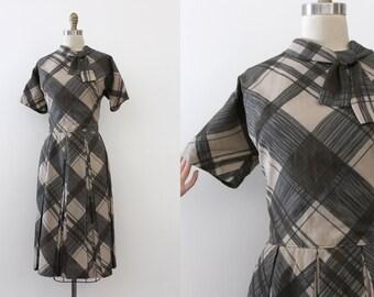 vintage 1950s dress // 50s 60s oversized plaid dress