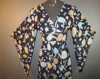 """Bat Wing Caftan // Sun Fashions Hawaii // Nylon Acetate Jersey...28"""" waist"""