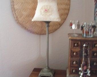 Pretty cream vintage style lamp