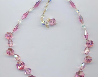 Sparkling delicate vintage Vendome necklace -- pink crystals