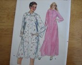Butterick Pattern 4025 Misses' Robe   1980's    Uncut