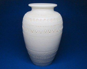 BITOSSI pottery vase with a Pier One incised mark , all white , mid-century modern .