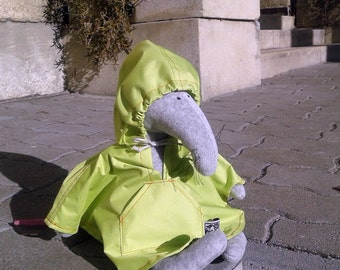 Banana green Mackintosh for little creatures, Raincoat for plushies