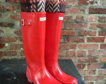 SLUGS Fleece Rain Boot Liners Brown with Red & Tan Plaid, Tall Boot Socks, Boot Cuff, Warm Sock, Rainy Day Fashion (Sm/Med 6-8)