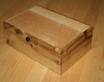 Jewelry box, heirloom, Watch watch, Valet Birdseye maple,  Myrtle Wood, Turquoise and Black Velvet (SB0071)