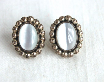 White Mexican Earrings Vintage Cats Eye Sterling Silver Posts Studs Taxco Mexico Everyday Earrings Mexican Jewelry