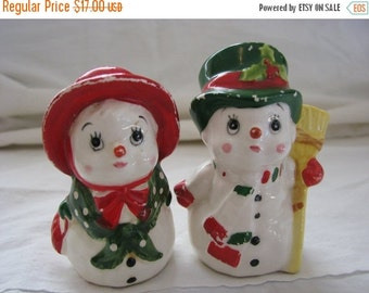 Valentine SALE Vintage Lefton Christmas salt and Pepper Snowman Couple