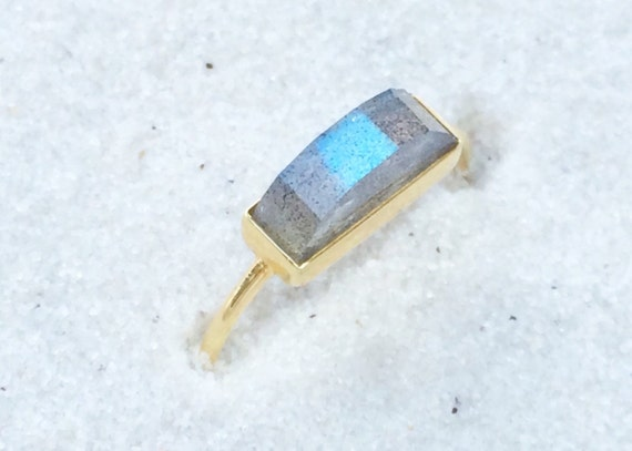 Labradorite and solid 18k gold ring