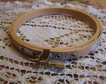 "Size 4"" Wood Embroidery Hoop (DF)"