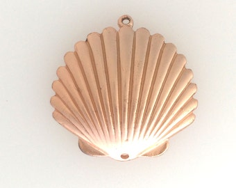 Rose gold plated seashell/sanddollar charm: 2580