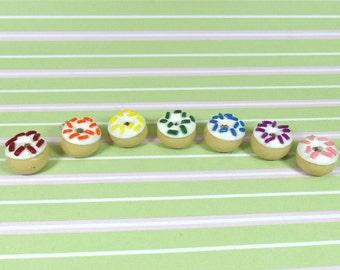 Rainbow Vanilla Doughnut Charms, Rainbow Sprinkles, 7 Charms, Stitch Markers, Donut Charms, Doughnuts, Cute, Polymer Clay, Handmade, Rainbow
