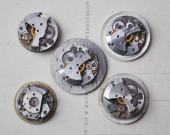 0.7 inch Set of 5 vintage watch movements with dial.