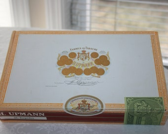 Vintage H. Upmann Cigar Box Wood Wooden Torpedo Excellent Condition Cigars Craft Collectible Display Accent