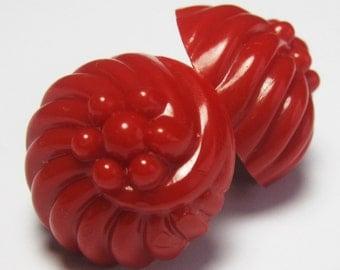 Vintage Cranberry Red Plastic Earrings -  Red Vintage Earrings - Screwbacks