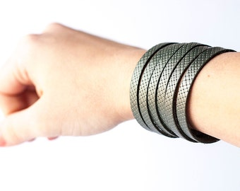 Leather Bracelet / Original Sliced Cuff / Lagoon