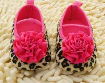 baby girl crib shoes,Booties -Baby Crib Shoes - Leopard Baby shoes , hot pink flower