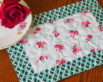 """Quilted Mug Rug - """"Vintage Roses"""", Snack Mat, Mug Rug"""
