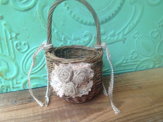 Flower Girl Baskets Small : Small vintage flower girl basket wedding petal