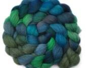 Hand dyed wool roving - Gray Masham wool spinning fiber - 4.0 ounces - Florida Bay
