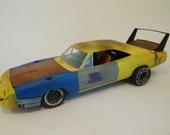 Classicwrecks Scale Model Dodge Daytona Yellow Joe Dirt  Dodge Car