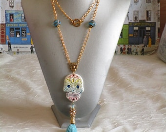 "VENDU - Charmant collier avec pendentif en céramique ""El dia de los muertos"""
