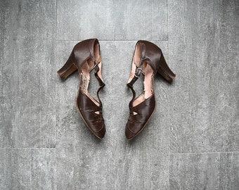 1930s shoes . vintage 30s brown silk satin heels