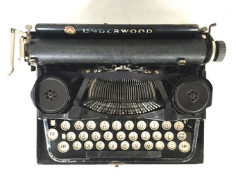 Underwood  Typewriter circa 1920's