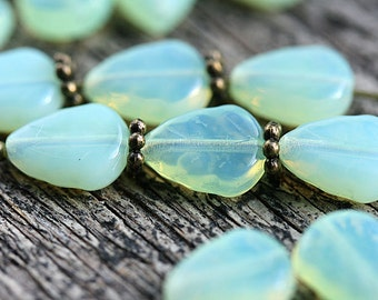 Melon Green leaf beads, Opal Jade green leaves, Czech glass beads, pressed glass leaf - 11x9mm - 25Pc - 2571
