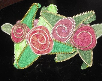 Red and Green Zipper Hair Clip