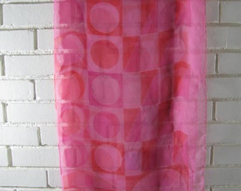 Vintage pink and red Op art L square scarf