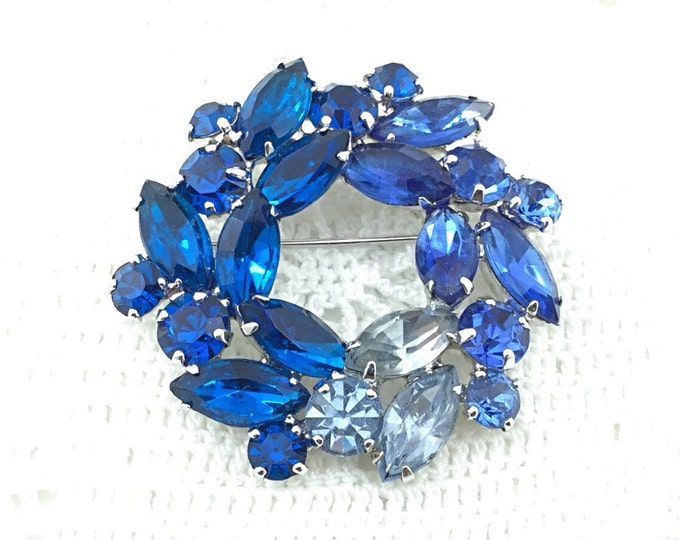 Sparkly Blue Weiss Rhinestone Brooch, Montana blue rhinestones, sapphire blue, light blue. High end brooch.