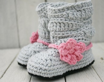 Baby Boots, Slouch Boots, Crochet Baby Booties, Newborn to 6-12 months - MADE To ORDER