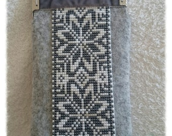 Grey ornamented morning star beadloom felt glasses case, pouch with clasp frame