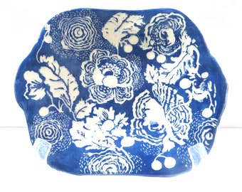 SGRAFFITO TRAY / Dish Hand Built Stoneware FLORAL Platter - Serving Tray Small Plate - Graceful Curvy Design Carved