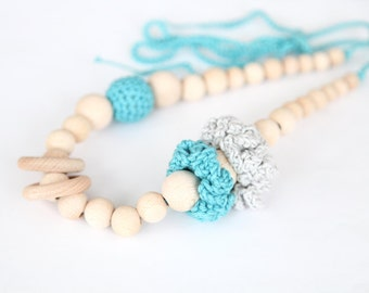 Natural grey and turquoise nursing floral rings necklace. Girls crochet necklace. Mammy and baby teething necklace.
