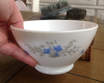 Arcopal breakfast bowl // Cafe au lait bowl // blue and white flower design  French vintage Mid century 1970's