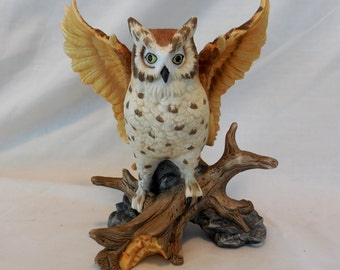 Striped Spotted Owl Sitting on Log Porcelain Figurine Regency 1993
