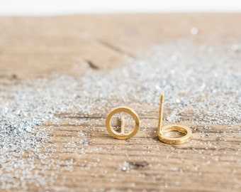 Circle Stud Earrings 18kt Gold Filled