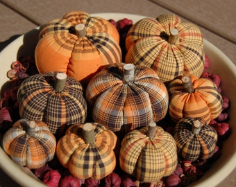 Primitive Fall Halloween Homespun Pumpkin Ornies, Black, Orange, Yellow Plaids