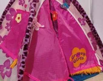 Miniature Tent - Groovy Girls - Excellent Condition! & Vintage Two groovy girls dolls/toys
