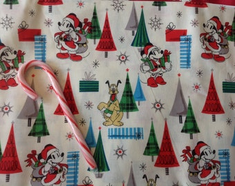 Mickey Mouse and Minnie Mouse Santa on cream Christmas  suite skirt HANDMADE Thirty One skirt